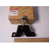 Yanmar, Front motor flexible mount, 128170-08350